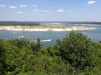 lake-travis-boats-iguana-grill